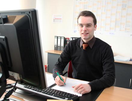 Johannes Gutzmann - erst Praktikant, jetzt eigener Schreibtisch