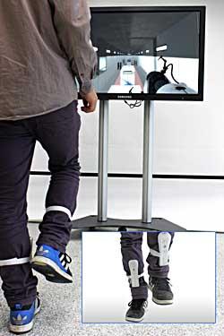 """So wird aus Computerspielen mehr als eine Fingerübung: Studierende haben eine """"Ganzkörpersteuerung"""" entwickelt. Foto: TZI/Uni Bremen"""