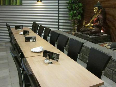 Unique: Buddhas, Bamubus und einen Mittagstisch ab 3 Euro gibt's im Café Unique