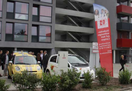 Die Galileo-Residenz glänzt durch eine eigene Elektroauto-Carsharingstation vor der Haustür.