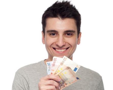 Wer beim BAföG-Antrag herumbummelt, verschenkt bares Geld. Foto: Andreas Hermsdorf / Pixelio