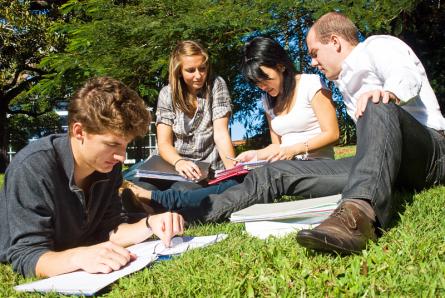 Die Chance nutzen und neben dem Studium berufliche Erfahrungen sammeln (Quelle: ccvision)