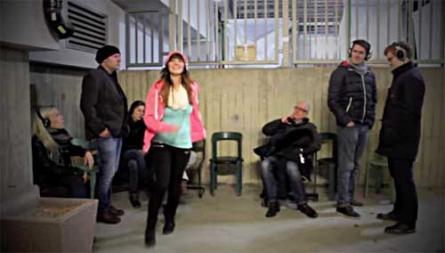 Studierende der Uni Bremen haben das Internetradio Krosse.fm gestartet – und zum Start ein Promo-Video gedreht, aus dem diese Szene stammt.