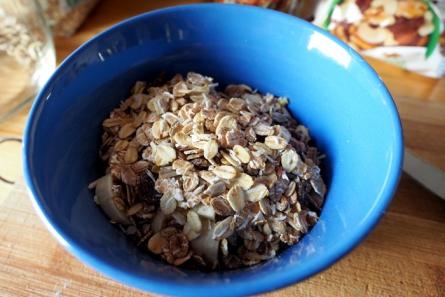Wer seinen Tag mit ballaststoffreichen Körnern und Getreide beginnt, mindert die Gefahr des Heißhungers und startet mit einem guten Schub Energie.