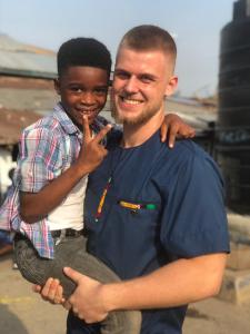Für den 20-jährigen Dustin Pelzl aus Bremen war die Zeit in Ghana eine bereichernde Erfahrung. (c) Dustin Pelzl