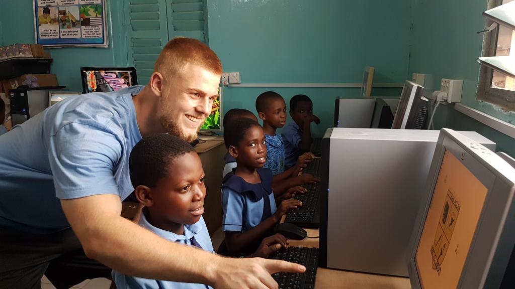 Mithilfe von Spenden konnte an der Schule ein neuer Computerraum errichtet werden. (c) Dustin Pelzl